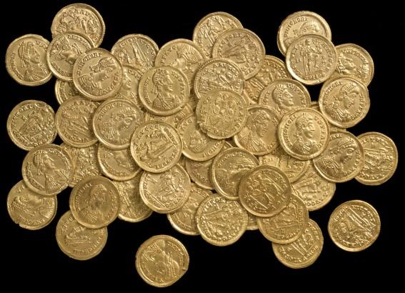 В Италии найден клад  золотых монет времен поздней Римской империи