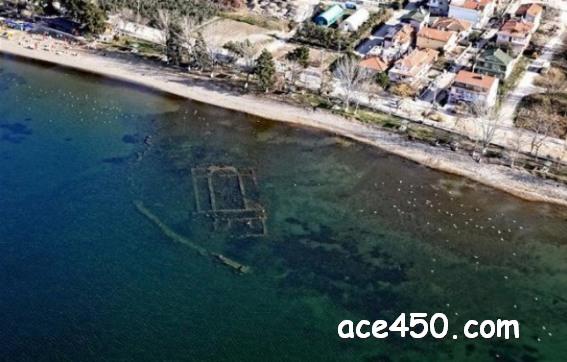 В Турции на дне озера нашли церковь