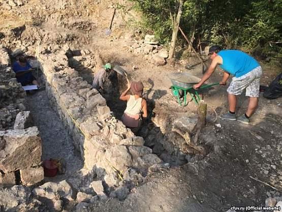 Крымские археологи похвалились уникальными находками из древнего городища