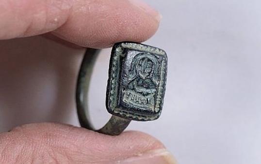 В Израиле нашли уникальное кольцо