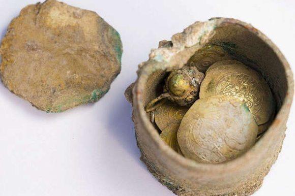 Клад уникальных золотых монет найден в Израиле